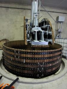 垂直式圧搾機(コカール)の例