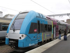 フランス国鉄地域圏急行TERの車両例